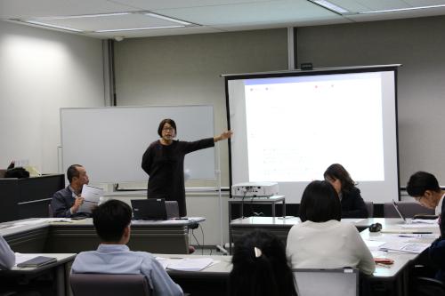 FFS理論から適材適所の組織編成などについて説明する伊藤氏